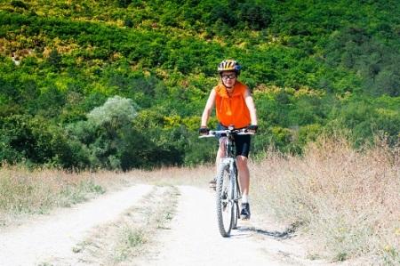 bigstock-mountain-biker-on-sunny-day-ag-41899531