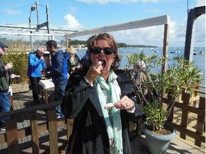 Eliz eating oyster