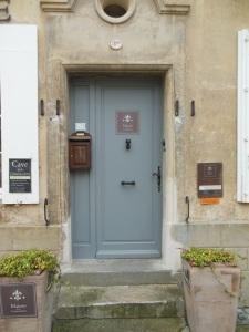 maison du commander door