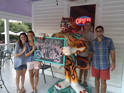 I must insert this picture of LT, Lauren, a most decorative Clemson Tiger, Gordy and Woody at Mellow Mushroom in Clemson, or my friend Susan would never forgive me, avid fan that she is…)
